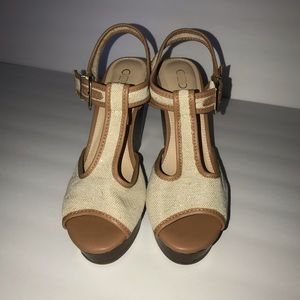 🌴 Cato Beige T-strap Wedges Women's Size 9